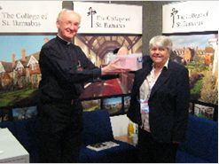 13.5.2011 mandy briars with the warden drwing the winner of the prize draw
